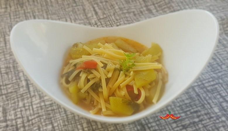 Linguine con caravazza (zucchina Siciliana) e tinnirumi (germogli di zucchina Siciliana)