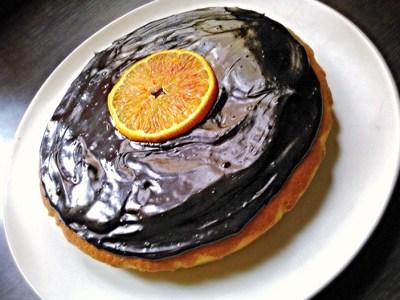 Torta all'arancia con glassa al cacao