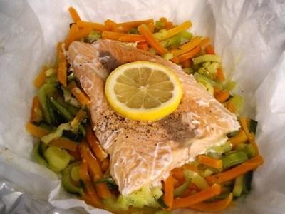 Salmone al cartoccio con verdure