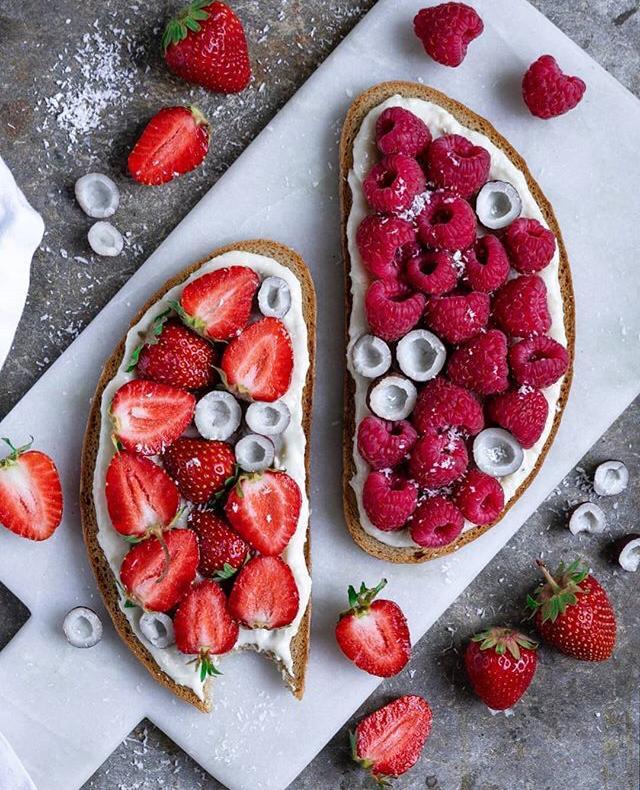 bruschette alla frutta