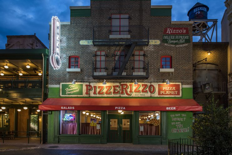 Hollywood Studios Muppets Themed Eatery Pizzerizzo