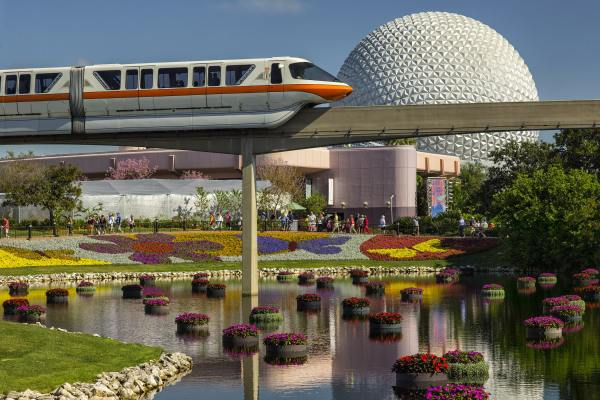 monorail-passes-infront-of-spaceship-earth-at-epcot
