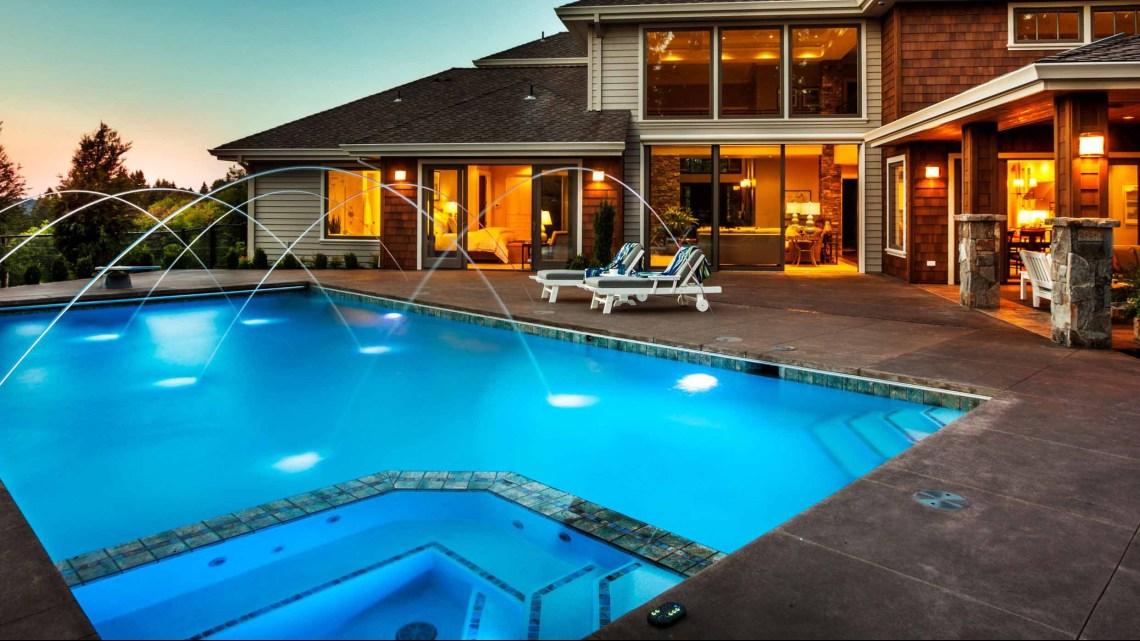 Inspiração: como iluminar uma piscina