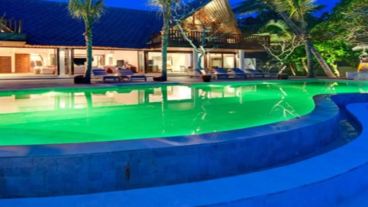 3 ideias diferentes para a iluminação de piscinas