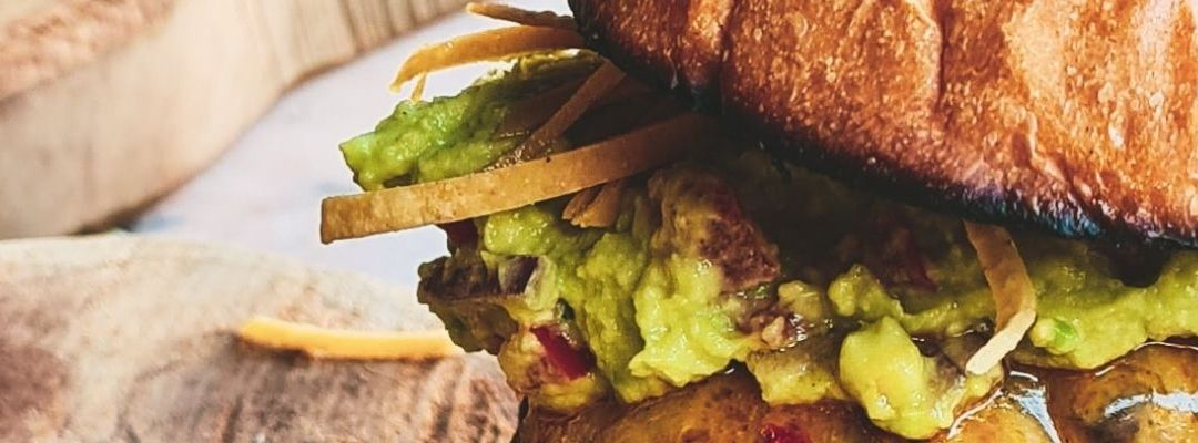 Najlepsze burgery na dowóz – Gdańsk jako stolica smaku