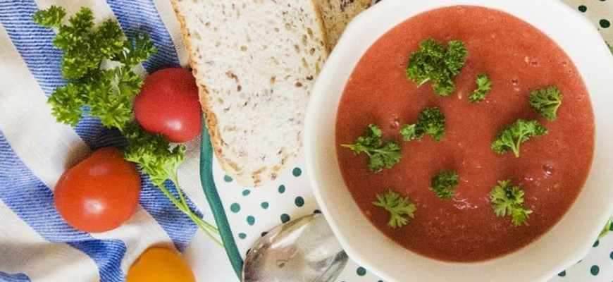 diferencia entre gazpacho y salmorejo - Glovo