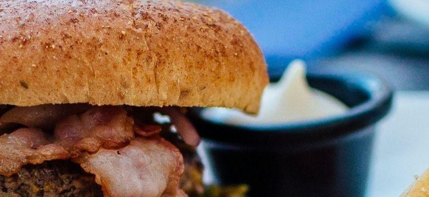 I 10 migliori hamburger a domicilio a Bari