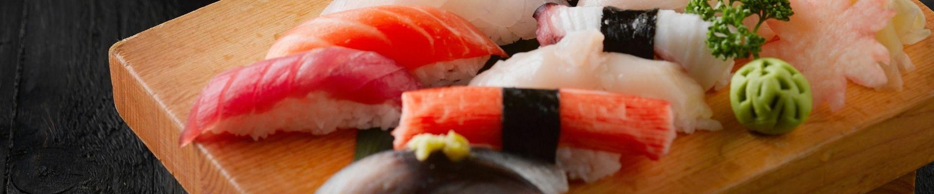 Pentru zile cu aer asiatic ai livrare sushi în Brașov