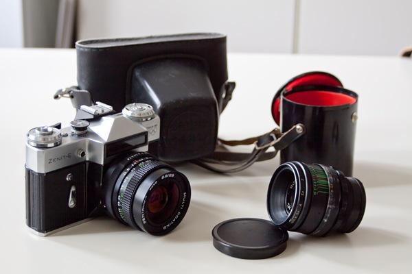 Zenit-E mit 2 Objektiven, Tasche und Objektivtasche