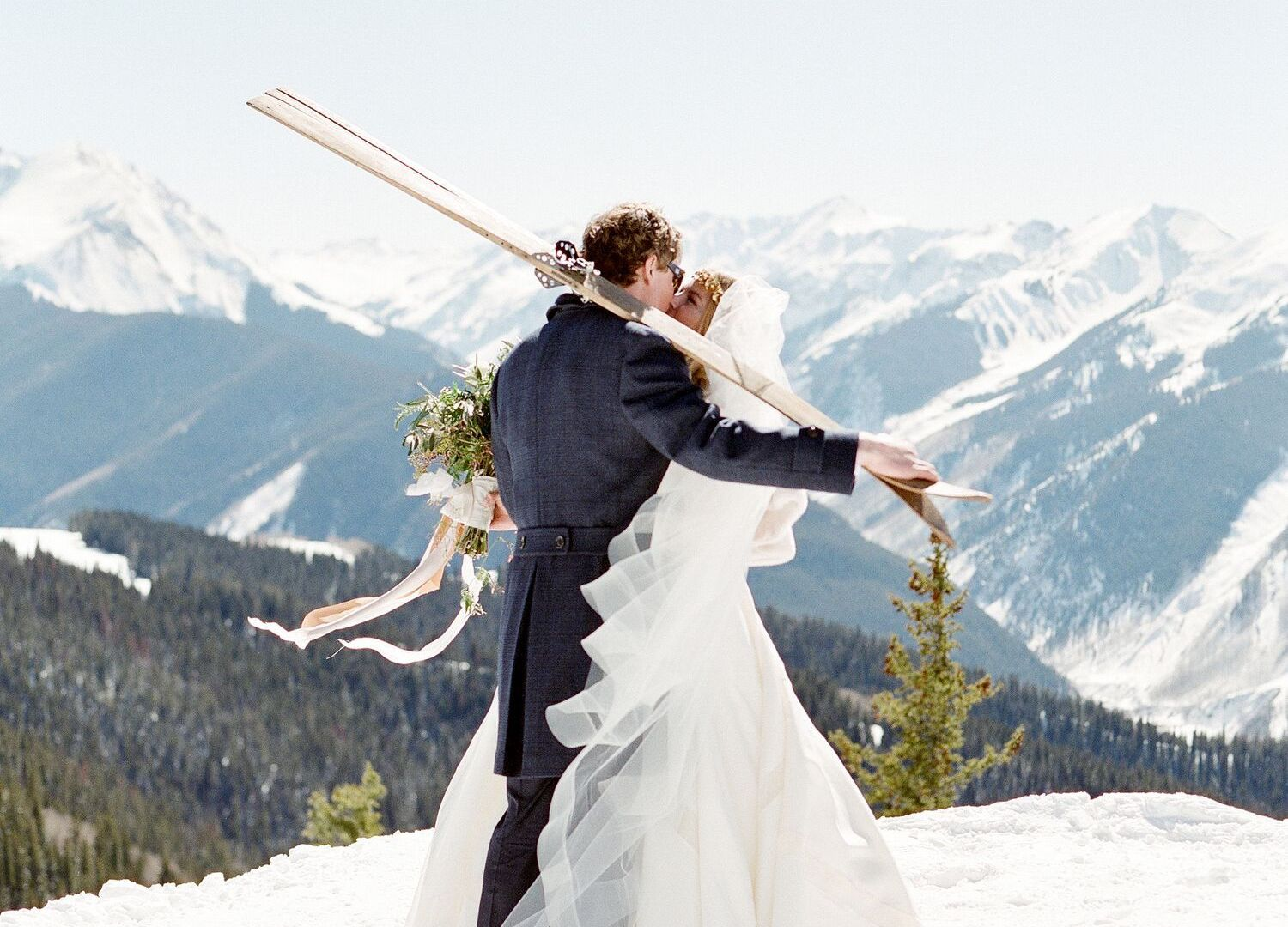 snowy-winter-wedding-ideas-colorado