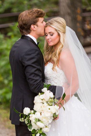 014-Winfrey-wedding-Beaver-Creek-just-married