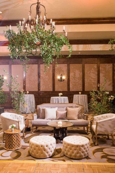 023-Winfrey-wedding-Beaver-Creek-lounge-area