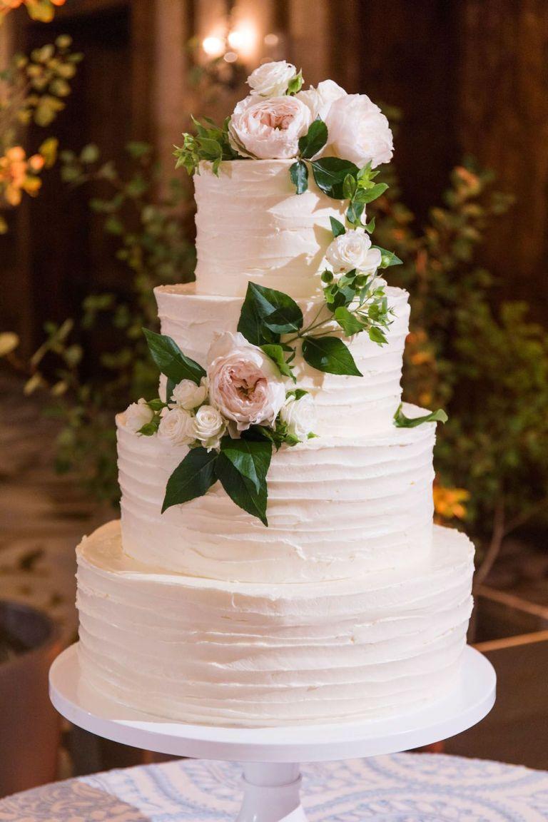 031-Winfrey-wedding-Beaver-Creek-classic-cake