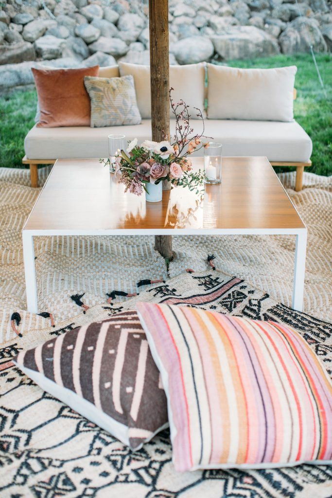 Tented Lounge Pocket Decor
