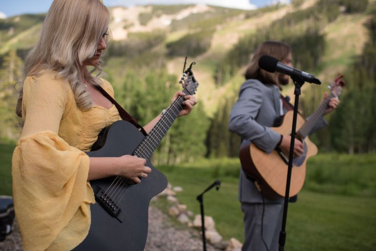 summer-wedding-ideas-colorado-live-music