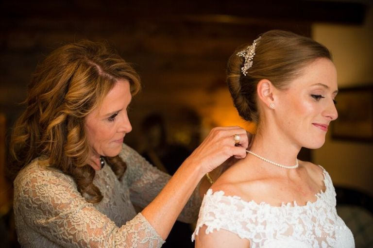 family-heirlooms-to-incorporate-into-your-wedding