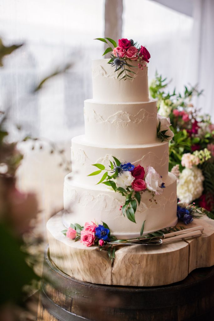 mountain-wedding-cakes