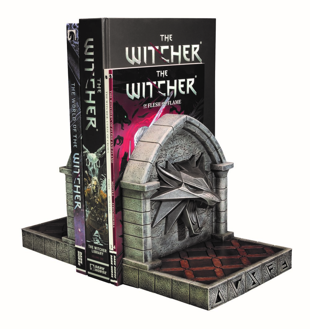 WITCHER_BOOKENDS_WOLF_PHOTO_04 Dark Horse Comics May 2021 Solicitations
