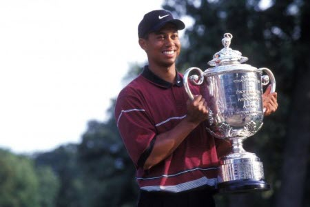 Tiger Woods wins the 1999 PGA Championship, image: bleacherreport.com