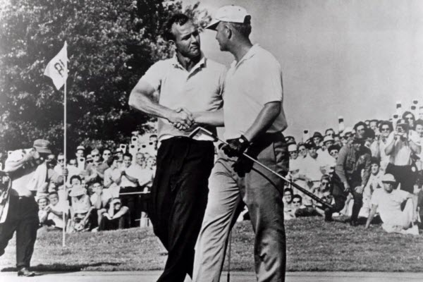 Arnold Palmer Congratulates Jack Nicklaus on his 1st Major Victory at the 1962 U.S. Open, image: thelocalgolfer.com