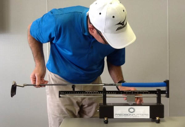 Measuring Swing Weight, image: insidegolf.com