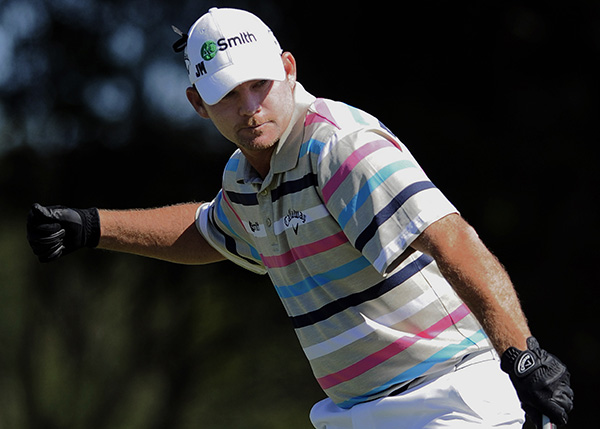 "Tommy ""Two Gloves"" Gainey wins 2012 McGladrey Classic, image: golfweek.com"