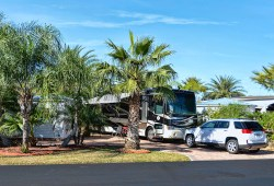 Florida RV Snowbird Life-style Awaits You at Silver Palms RV Resort