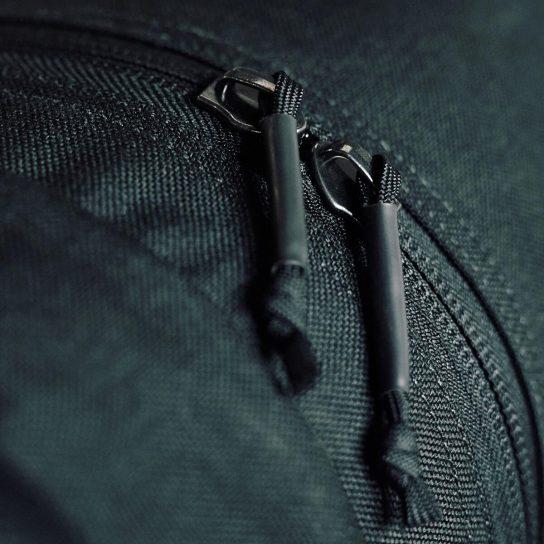kit-bag-silent-zipper-pulls-travel-bag (1)