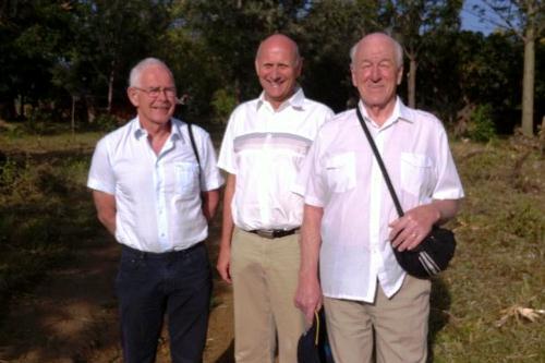 Per, Svein og Kjell på vei til søndagsskolen