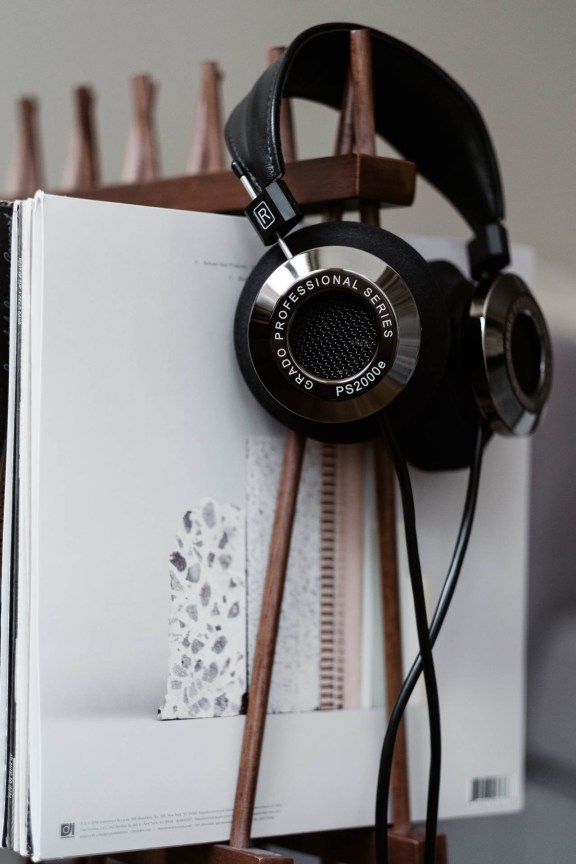 Grado PS2000e Headphones with Vinyl Records