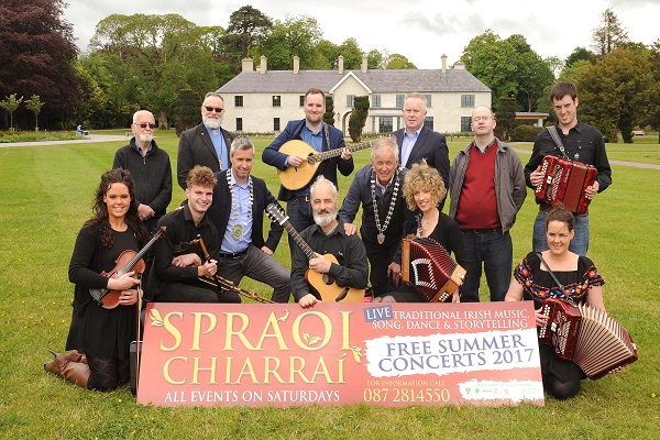 Launching Spraoi Chairrai at Killarney House were Tim OÕ Shea (Spraoi Chairrai organiser), centre in front row, with musicians including Micheal O'Se and Brid O'Shea. Back from left are Canon Brian Lougheed, Reverend Simon Lumby, St Mary's Church of Ireland Killarney, Paul OÕ Neill (President of Killarney Chamber of Tourism & Commerce), Kieran Healy, Cllr Brendan Cronin (Mayor of Killarney), Pat Dawson, NPWS regional manager and Gavin Miller (St Mary's Church of Ireland). Picture: Eamonn Keogh