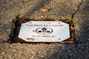 Garden Loop Trail 0.0 mile marker at Glenwood Gardens
