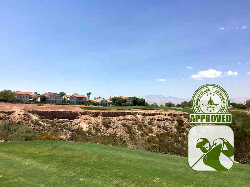 Rio Secco Golf Club - Hole 3, short par 3 over a chasm