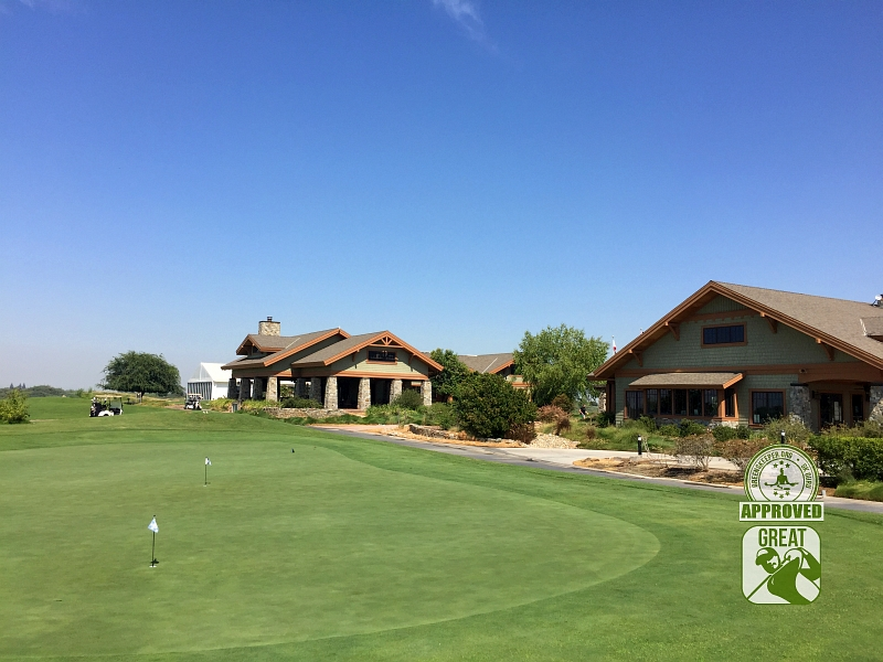 Ridge Creek Dinuba Golf Club Dinuba California - Clubhouse and Practice Green