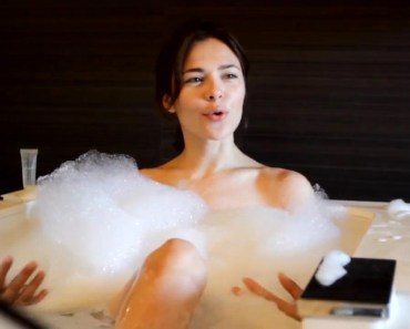 Nina Kraviz bubble bath
