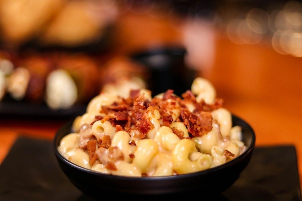 Gourmet mac and cheese with bacon at a Smokey Bones fundraising event
