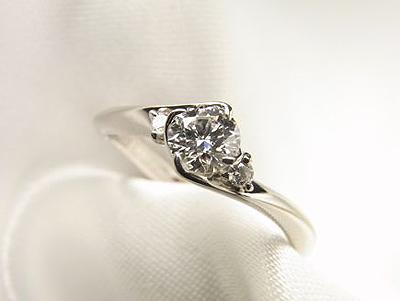 おばあさまのダイヤをエンゲージリングにリフォーム【神戸 元町】