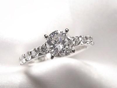 立爪0.7ctのご婚約指輪をゴージャスにリフォーム【神戸 元町】