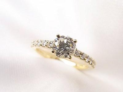 花嫁の指に輝くおばあちゃんのダイヤモンドリング♥︎リフォーム【神戸 元町】