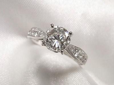 おばあさまのご遺品1ctUPダイヤをプロポーズサプライズプレゼントにリフォーム【神戸 元町】