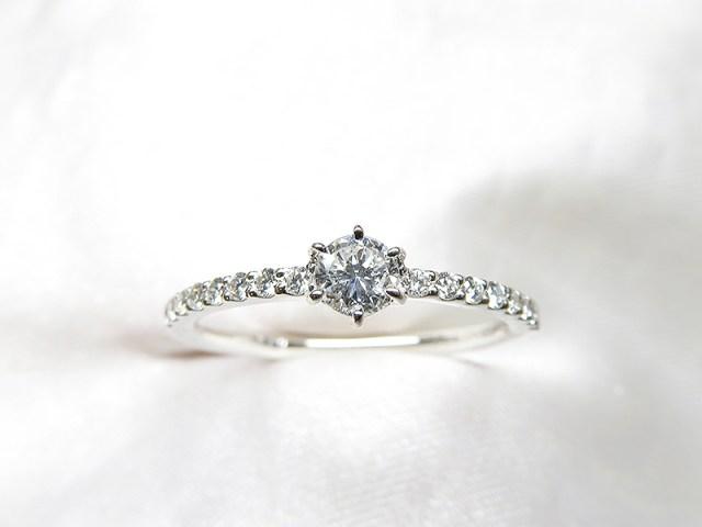 ご子息様が贈るご婚約指輪*0.17ctダイヤリフォーム