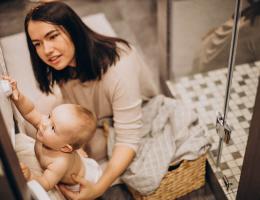 Bebek Kiyafet Yıkama