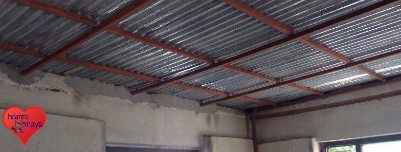 Reparatur des Dachschadens Behindertenschule