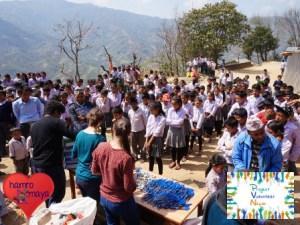 In Sindhukot wurden 394 Schultaschen verteilt.
