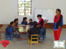 Unterricht im neuen Schulgebäude.