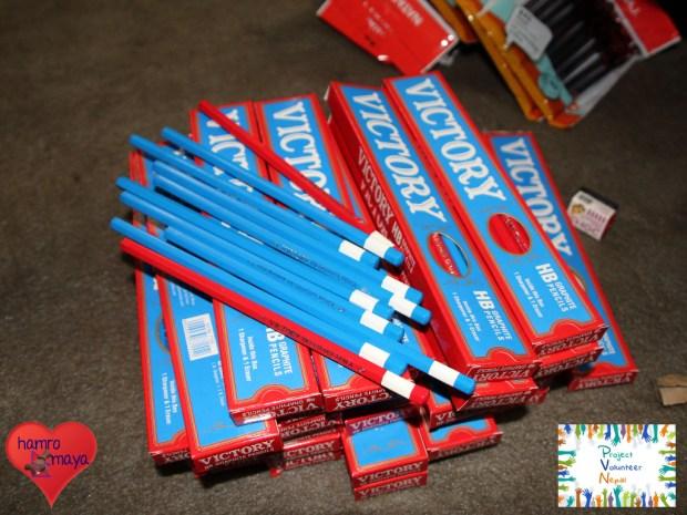 7.500 Bleistifte in 750 Schachteln mit je 10 Bleistiften mussten wir auspacken.