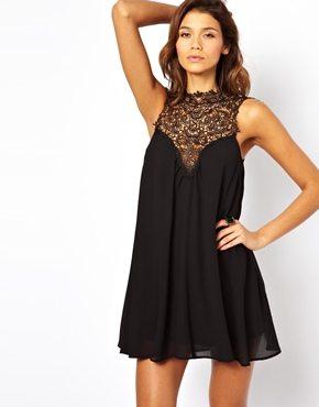 shopping une petite robe noire en dentelle. Black Bedroom Furniture Sets. Home Design Ideas