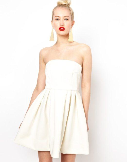 robe du dimanche de jolies petites robes blanches. Black Bedroom Furniture Sets. Home Design Ideas