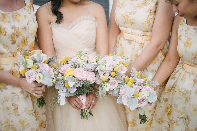 mariage des demoiselles d 39 honneur aux robes fleuries. Black Bedroom Furniture Sets. Home Design Ideas
