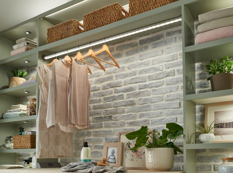 sempriaLED-MudRoom